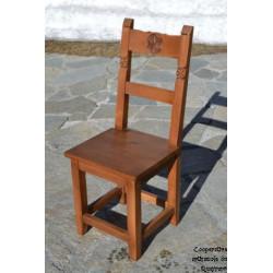 Chaise tout bois, sans sculptures sur les pieds