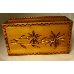 Boîte à coulisse sculptée, pièce unique